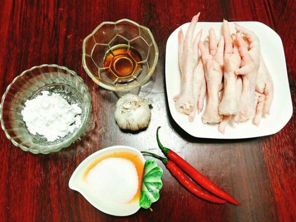 Nguyên liệu món chân gà chiên mắm